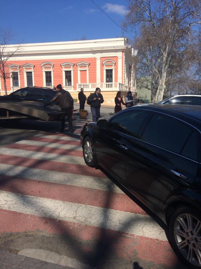 img_2447-650x867 Одесская полиция пиарится на обычных водителях: автомобили депутатов эвакуировать боятся (ФОТО, ВИДЕО)