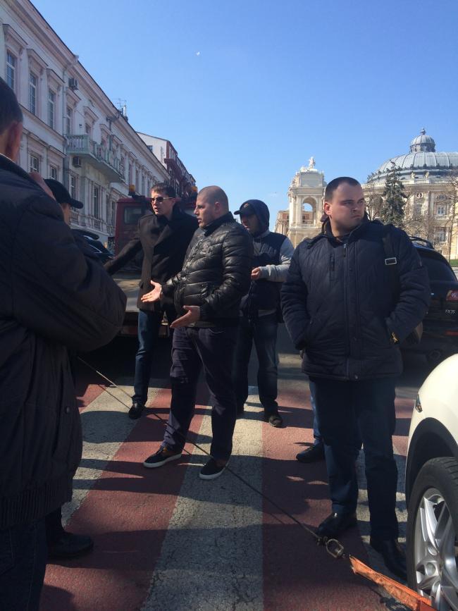 img_2449-650x867 Одесская полиция пиарится на обычных водителях: автомобили депутатов эвакуировать боятся (ФОТО, ВИДЕО)