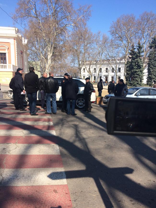 img_2450-650x867 Одесская полиция пиарится на обычных водителях: автомобили депутатов эвакуировать боятся (ФОТО, ВИДЕО)