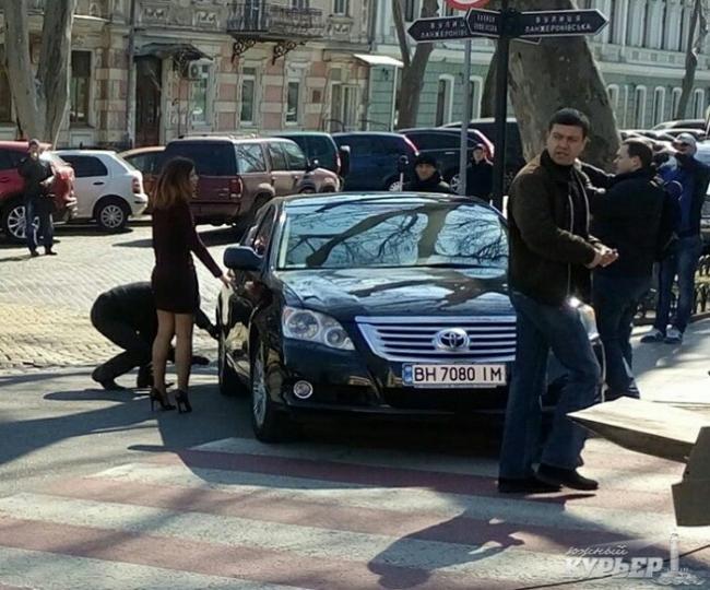 img_2524-650x540 Одесская полиция пиарится на обычных водителях: автомобили депутатов эвакуировать боятся (ФОТО, ВИДЕО)